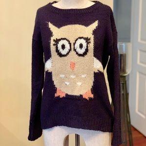 Dark blue lightweight sweater with owl